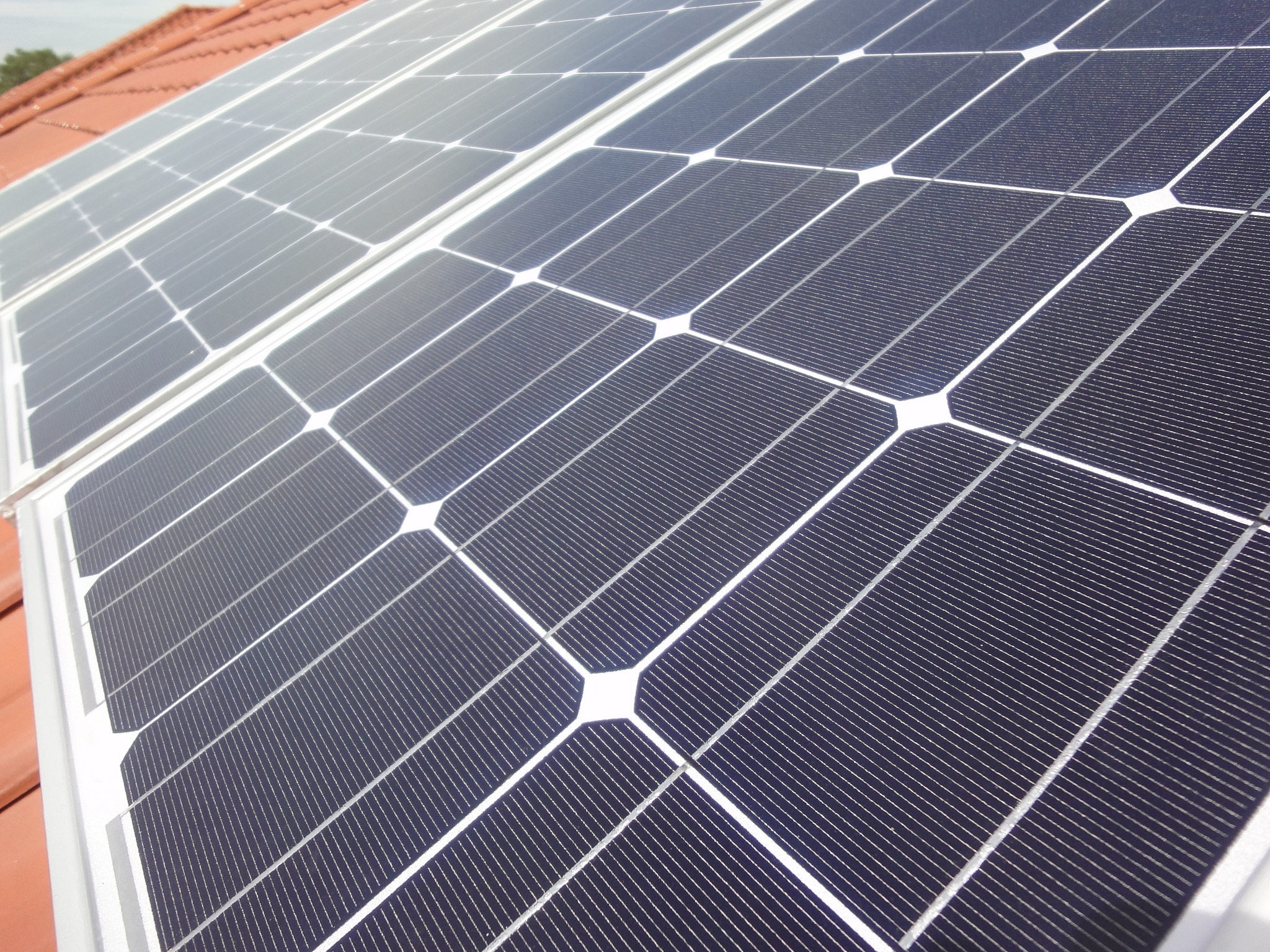 7 Reasons Why Solar Is Becoming More Popular Solar